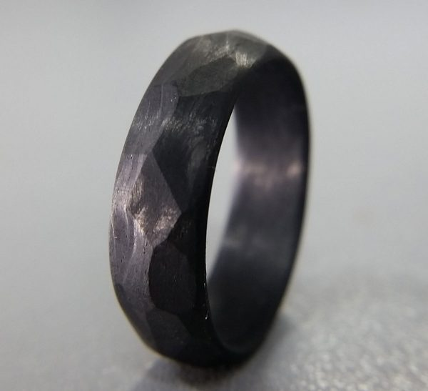 Core Carbon faceted ring